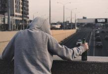 Alkoholizm - jak przekonać osobę uzależnioną do leczenia