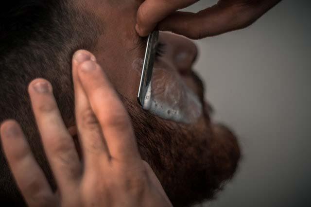 Jak się golić, by uniknąć podrażnień skóry?