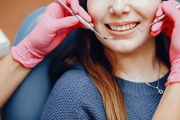 Przegląd jamy ustnej